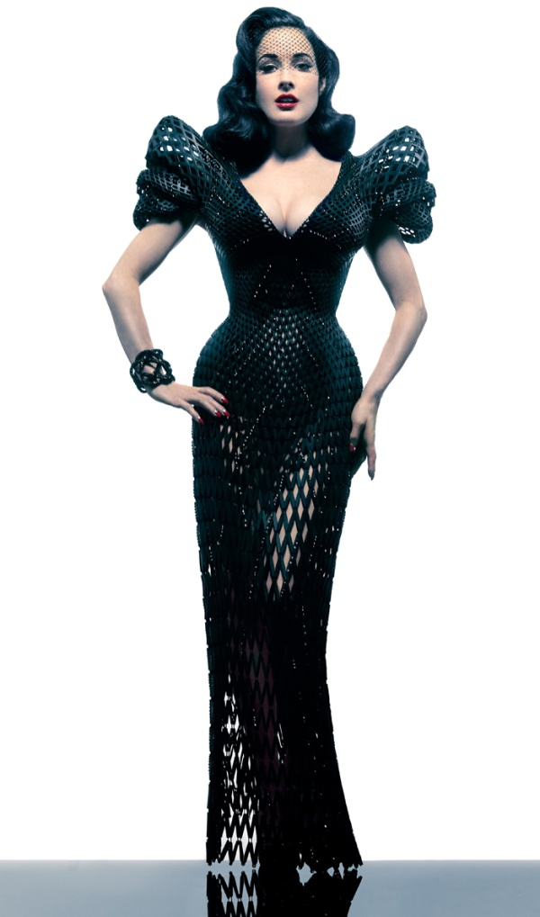 3d-printed-dress-Dita-Von-Teese-in-Michael-Schmidt-by-Albert-Sanchez