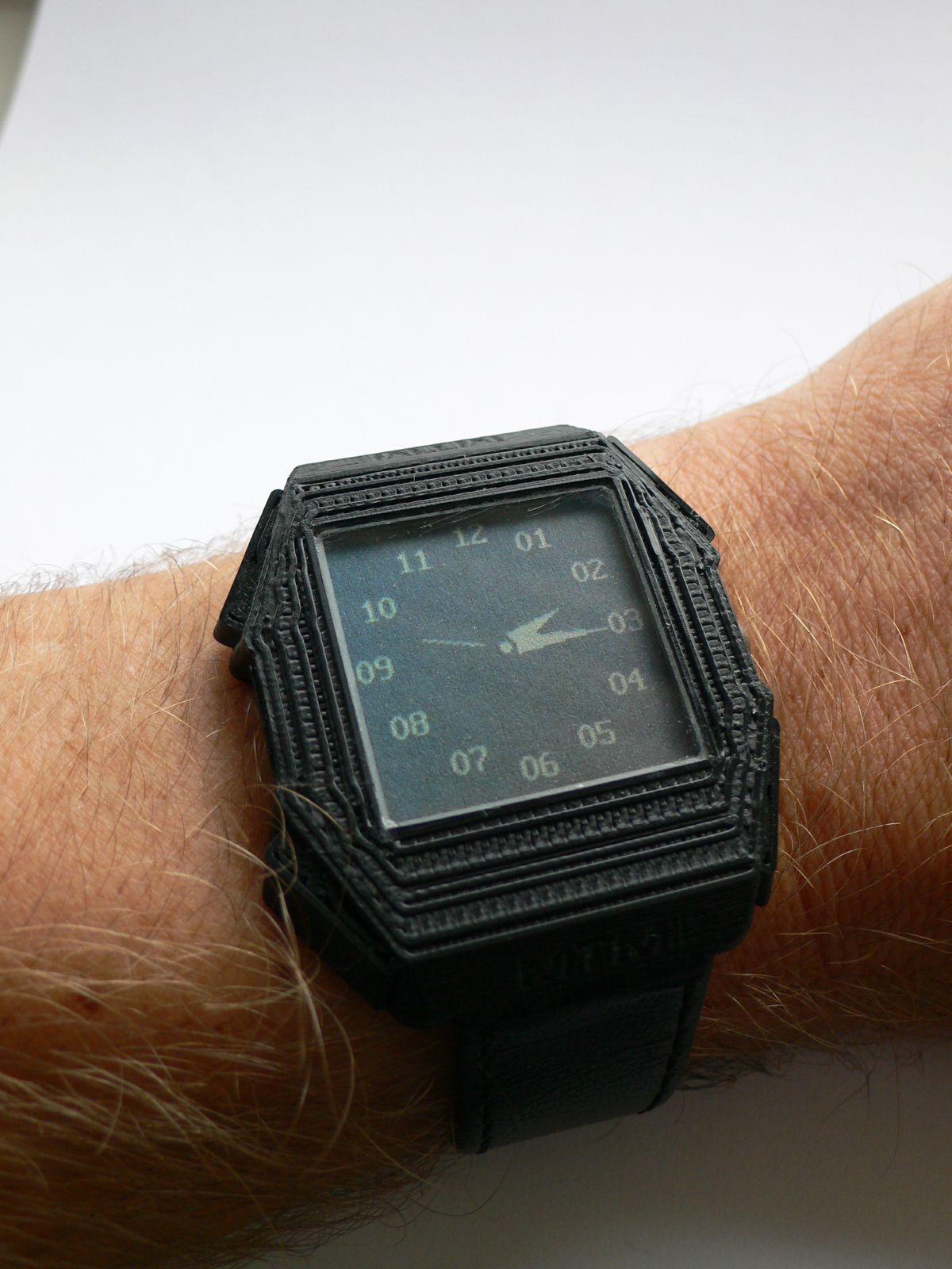 Wydrukowany zegarek OTM-02