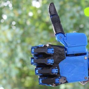 Dextrus - projekt robotycznej dłoni Open Source