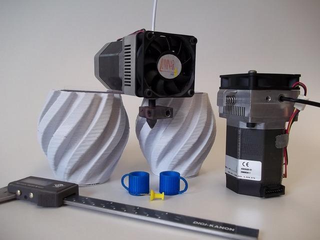 Nowy ekstruder do druku innymi rodzajami tworzywa termoplastycznego