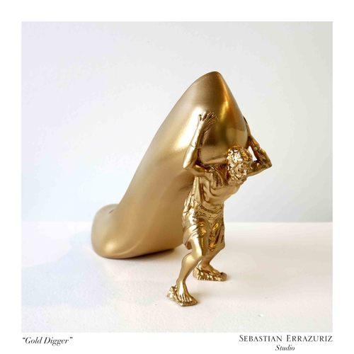 12 butów dla 12 kochanekk