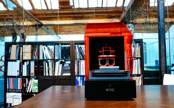Laserowa drukarka XFAB 3D, która drukuje z miękkich materiałów