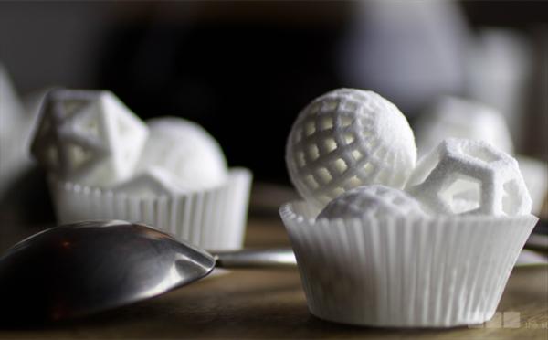Nietypowe kształty i kolory kostek cukru prosto z drukarki3