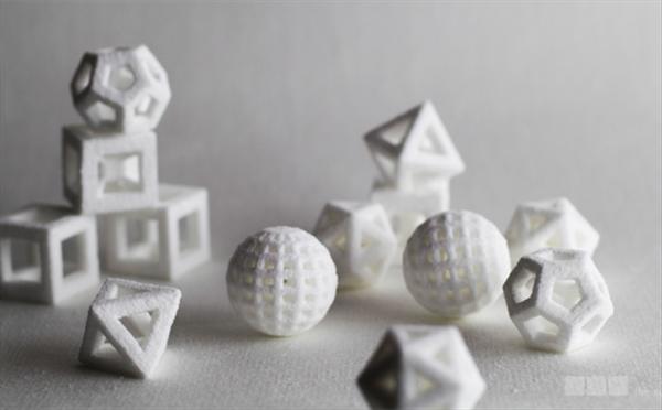 Nietypowe kształty i kolory kostek cukru prosto z drukarki4