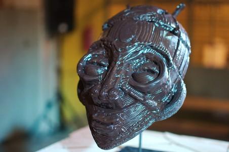 Ośmiogłowicowa drukarka 3D w fabryce czekolady w Afryce