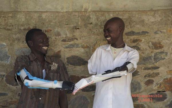 Wydrukowane w 3D protezy ramion dla dzieci w Sudanie