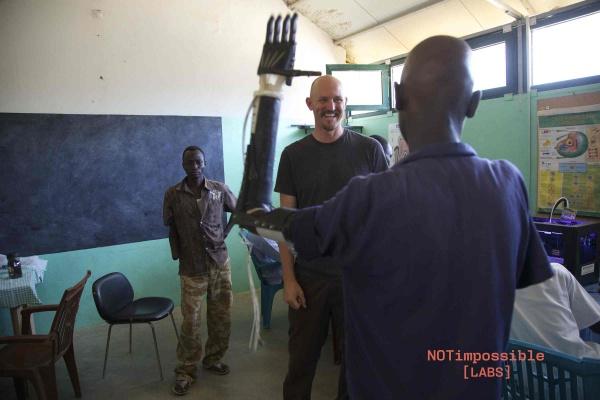 Projekt Daniel - wydrukowanie 3D ramiona dla dzieci Sudanie4