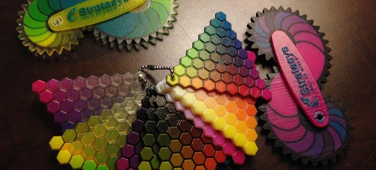 Drukująca w kolorze i z różnych materiałów na raz - Connex3 od Stratasys1