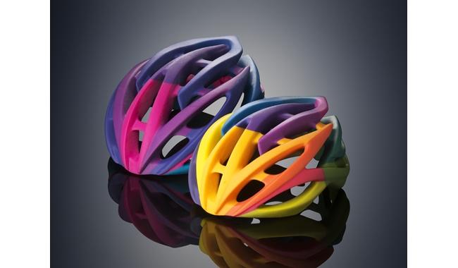 Drukująca w kolorze i z różnych materiałów na raz - Connex3 od Stratasys2