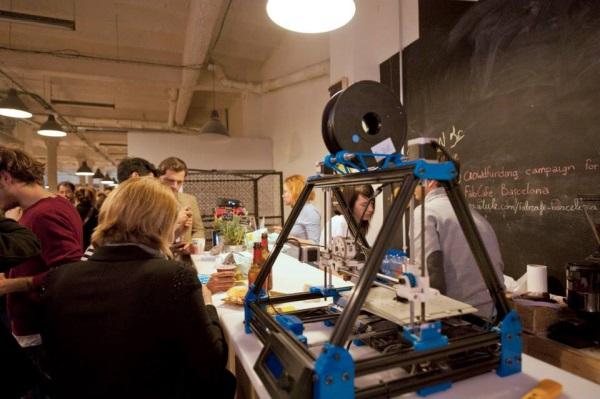Kawiarnia połączona z usługami druku 3D