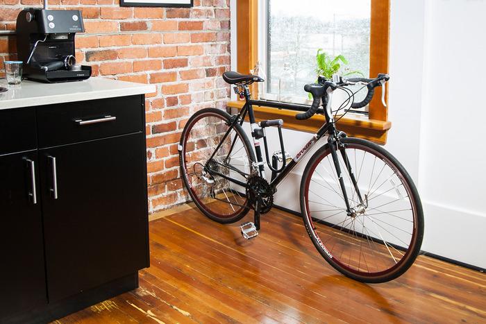 Clug – nietypowy stojak na rower na Kickstarterze4