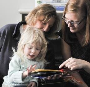 Książki z drukowanymi obrazkami 3D dla dzieci niewidomych