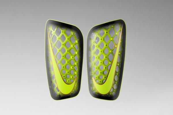 Nike drukuje 3 unikatowe torby dla znanych piłkarzy1
