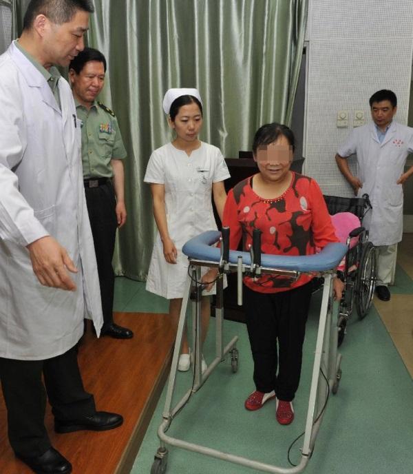 w chinach wszczepiono drukowane kosci-5