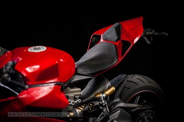 Bardzo szczegółowy, wydrukowany model Ducati 119915