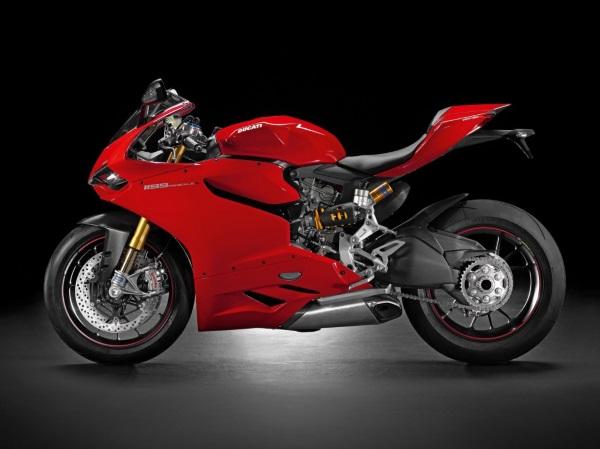 Bardzo szczegółowy, wydrukowany model Ducati 11992