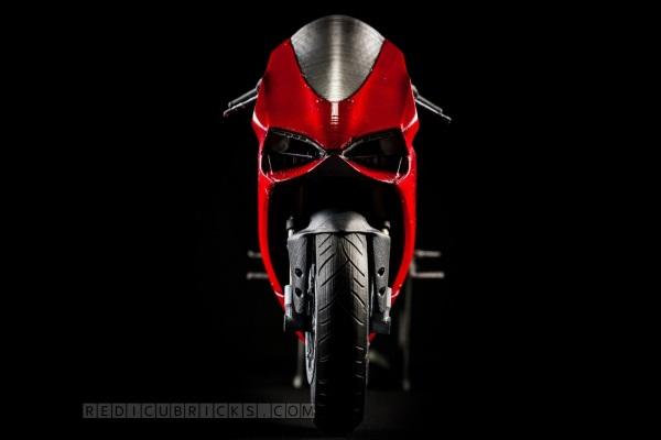 Bardzo szczegółowy, wydrukowany model Ducati 119921