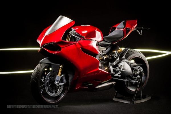 Bardzo szczegółowy, wydrukowany model Ducati 119922