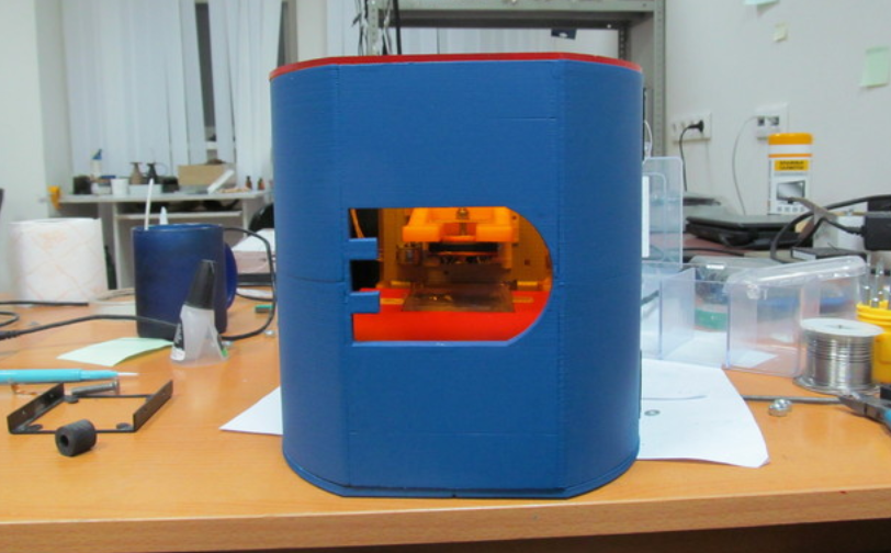 Inżynier z Rosji stworzył drukarkę SLA z napędów DVD-3