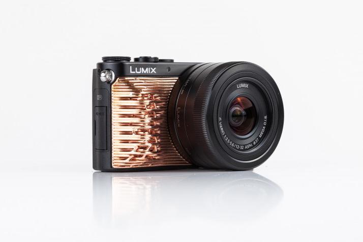 Panasonic opracował drukowane nakładki na aparaty Lumix-3