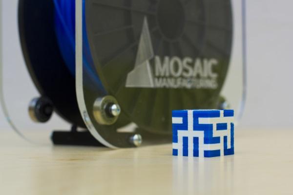 Urządzenie Mosaic umożliwia druk wielokolorowy na jednogłowicowej drukarce 3D