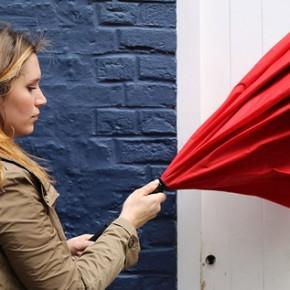 Odwrotnie otwierany parasol KAZbrella pojawia się na Kickstarterze