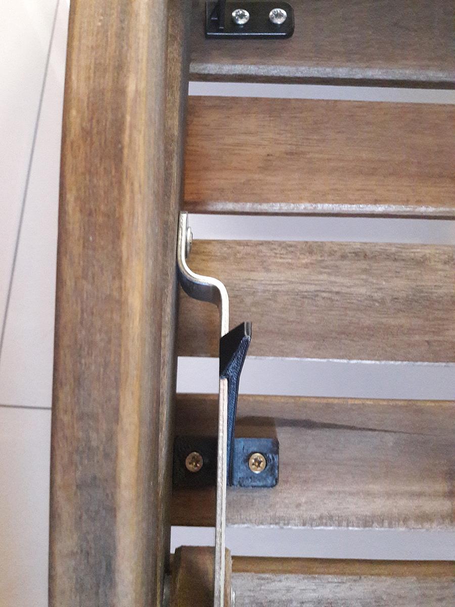 Wydrukowany 3D zaczep do krzeseł balkonowych z Ikei510