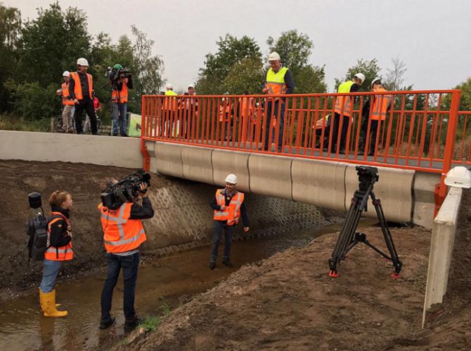 W Holandii otwarto wydrukowany most rowerowy